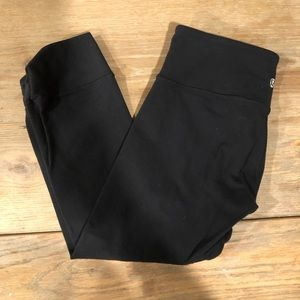 Lululemon Black Crop Twist Leggings 6